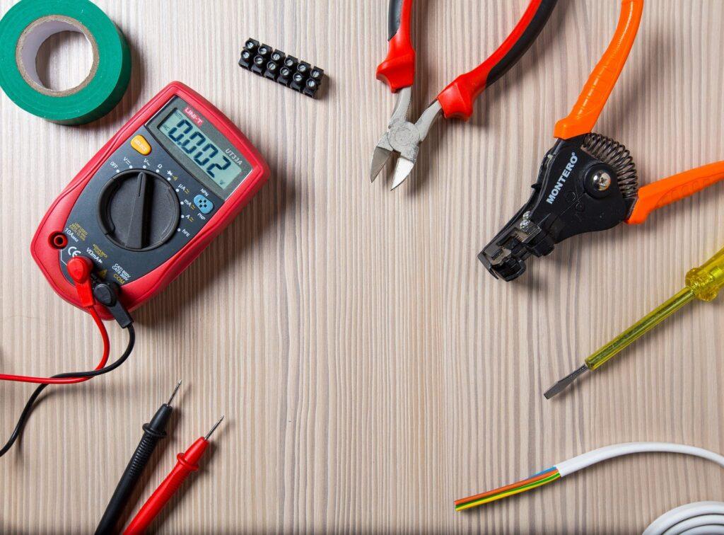 instalacje elektryczne i energetyka